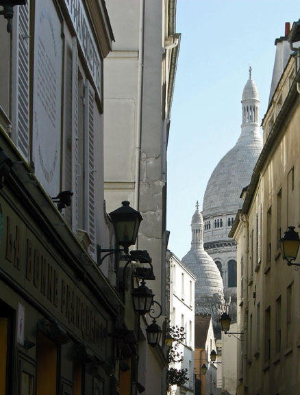 """Sacre Coeur dome seen from Place de Tertre"""