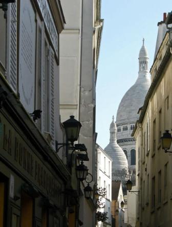 """""""Sacre Coeur seen from Place de Tertre"""""""
