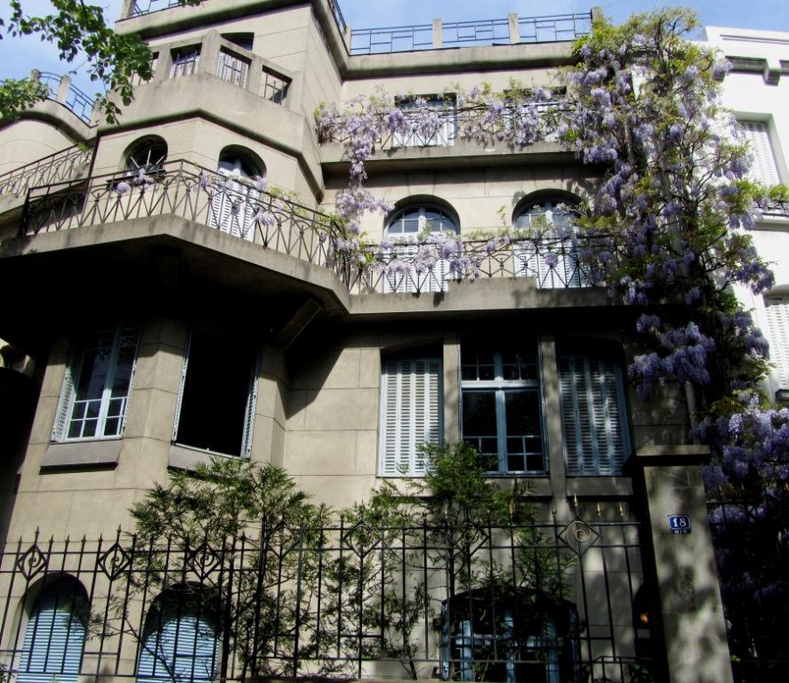 """An impressive hotel particulier in Av. Junot Montmartre Paris"""