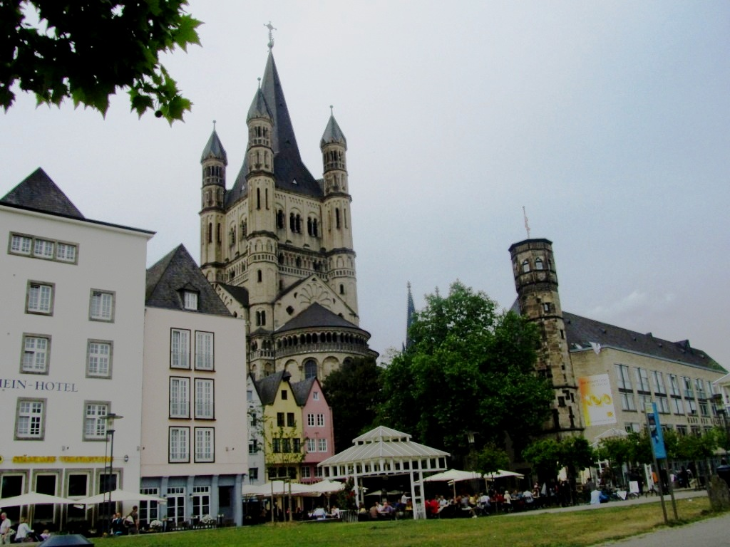 """Day trip destination Koeln from Paris to German"""