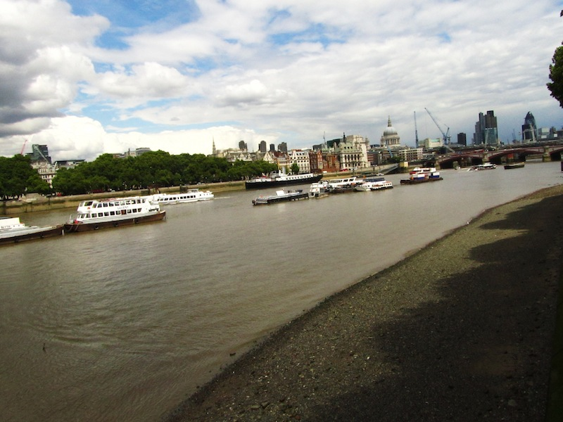 """""""The Thames flowing into the business district of London"""""""